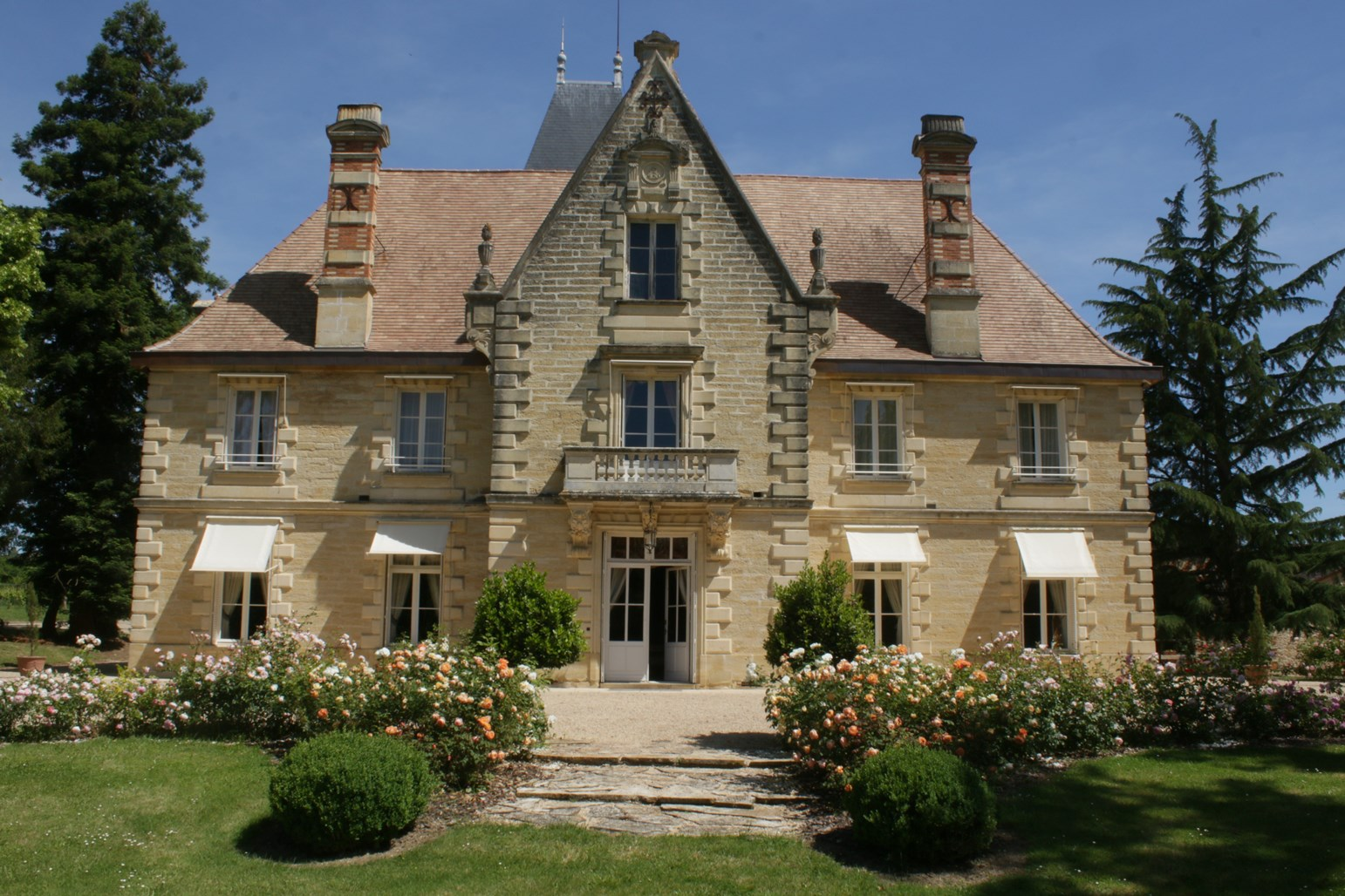 chateau-lagrave-bechade